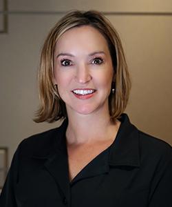 Headshot of Jennifer, a dental assistant