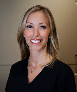 Headshot of Julie, a dental hygienist